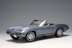 AUTOart - Scale 1/18 - Chevrolet Corvette 1963 Convertible - Colour Blue with Certificate