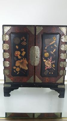 Antique money cabinet - Chinese - early 20th century