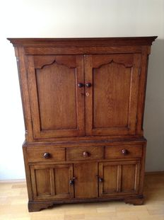 George III oak linen press,/linen cupboard, oak - Welsh-around 1800