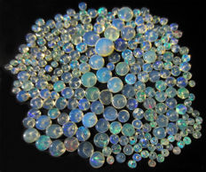 Lot with Welo opals - beads of 3 to 5mm - 30 cts (252)