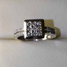 18 kt white gold ring with diamonds – ring size 16.5 mm