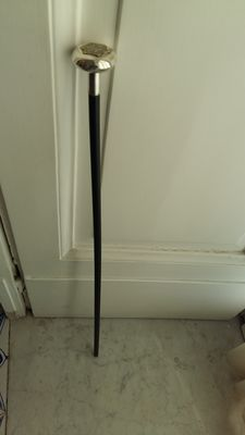 Ebonised wooden walking stick with a silver-plated metal handle - Italy - ca. 1900