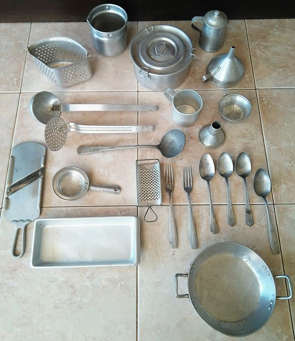 vintage set of 22 aluminum kitchen utensils - catawiki
