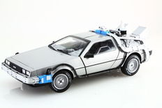 Hot Wheels - Scale 1/18 - De Lorean time machine with Mr fusion - Back to the Future