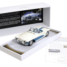 Minichamps - Scale 1/18 - General Motors Motorama LaSalle II Roadster Concept 1955