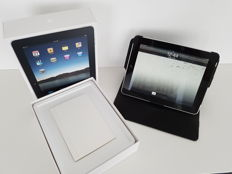 Almost Mint condition. Apple iPad 1, 32GB with 3G! with Original box, Charger, cover.