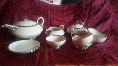 Tea set in Platinum profiled porcelain