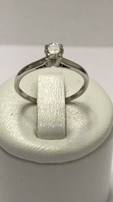 Solitaire ring in 18kt gold with 0.33ct diamonds Top Wesselton - size 52