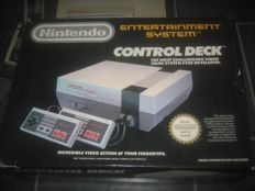 Nintendo 8 bit Nes boxed with 11 games