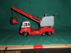 Arnold, Western Germany - Length: 32 cm - Tin DAF excavator truck with metal friction drive, 60's