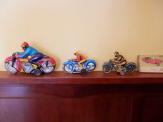 FSC, Italy/PN, Western Germany/China - L. 17-24 cm - Batch of tin Motorcycles, 1950s/2000s