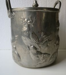 Kayzerzinn - Art Nouveau biscuit jar made of cast pewter