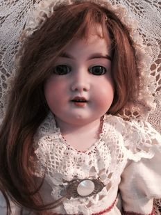 Antique doll - DEP 370 - A 8 M - Germany