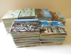 Lot of more than 2000 postcards