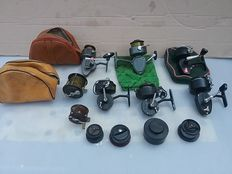 Lot of 8 old fishing reels