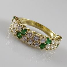 Yellow gold ring, set with emerald of 0.80 ct and brilliant-cut diamonds of 1.62 ct, size 18.5/58