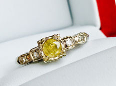 14k White Gold Ring with 0.46ct Fancy Yellow Diamond + 0.12ct Diamonds - size 55  ***No Reserve price***