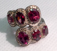 Vintage Ring With 4.18 ct Rhodolite Garnet Gemstone - Silver 925/1000 - Diameter 16 mm