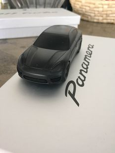 Porsche Panamera - Solid aluminium paperweight - Black matte limited edition - Scale 1/43
