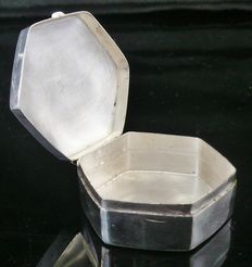 Silver Snuff Box, London 1992, C L Edwards