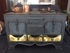 Children's stove, cast iron and sheet iron with some copper attributes - ca 1900
