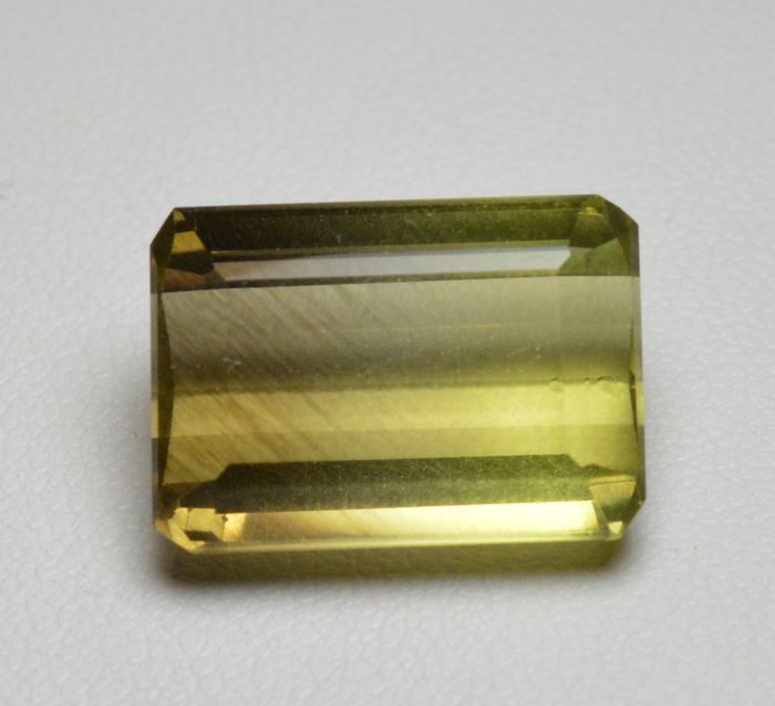 Two-tone quartz - 15.28 ct - No reserve price