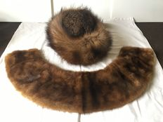 A hat (toque) and scarf (collar) set in fox and astrakan fur