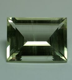 Heliodor, yellow-green - 16.01 ct