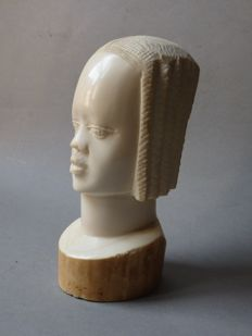 African bust in antique ivory - MANGBETU - D.R. Congo