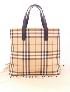 Burberry London medium tote .