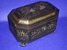 A black paintwork tea box - China  ( Canton ) – late 19th century.