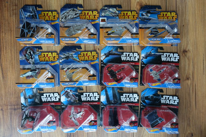 12 Hot Wheels Star Wars Starships plus 1983 Star Wars pop-up Book