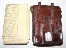 Wehrmacht/Luftwaffe Waffen/Map case with original Mika in leather with 2 laminated original maps-WW2