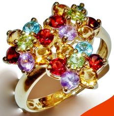 14 kt yellow gold, colourful, triple flower precious stone ring *No reserve*