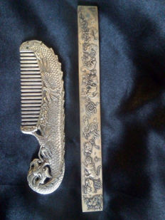 Two objects - sculpted comb and ruler - China - end of 20th century