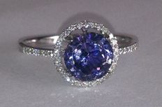 White gold 18 kt ring with natural tanzanite and diamonds of 2.26 ct – ring size: 16.85 (mm)
