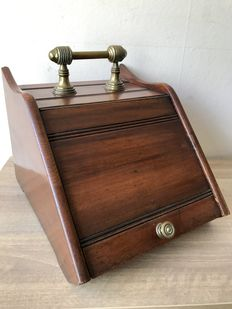 Large antique walnut turf container with sink inner bin, early 20th century