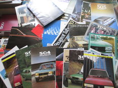 Autofolders (Peugeot, including 104/304/504/604, 34 folders/14 press photos. mostly 1970s/1980s)