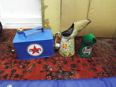 VINTAGE AUTOMOBILIA - SHELL BP FARM SERVICE QUART OIL POURER VINTAGE AUTOMOBILIA - REPAINTED AND RE-STICKERED CAN - CALTEX