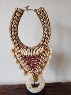 Decorative necklace - IATMUL - Papua New Guinea