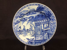 Blue and white porcelain plate, wester chamber scene – China – 18th century (Kangxi-yongzheng)