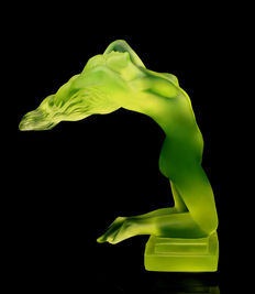 Heinrich Hoffmann - ' Chrysis ' Decorative Glass Car Mascot in stylish Art Deco design