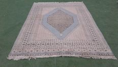 Beautiful Hand-knotted Pakistan Bouchara rug 280cm x 183cm