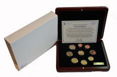 Finland – Year collection 2002, including gold medal