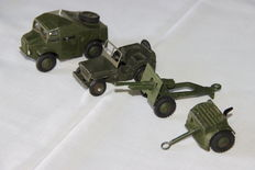 Dinky Toys - FR/GB - Scale 1/43 - 4 Military Miniature Toys: Numbers: 808, 686, 688 + Trailer