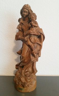 Wooden figure of Madonna with baby Jesus, with certificate