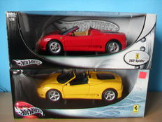Hot Wheels - Scale 1/18 - Lot with 2 Ferrari 360 Spider models