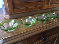 4 Crystal finger bowls and 2 saucers, possibly Val de Saint Lambert, second half of the 20th century.