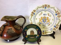 Lot with three earthenware items