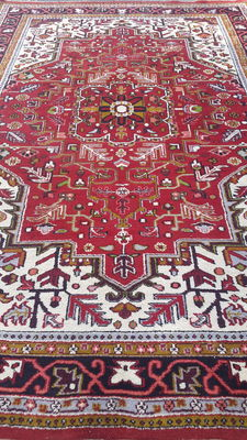 Beautiful Hand-knotted Oriental - Indian Heriz rug,  292cm x 200cm. NO RESERVE PRICE great deal act now €1,-